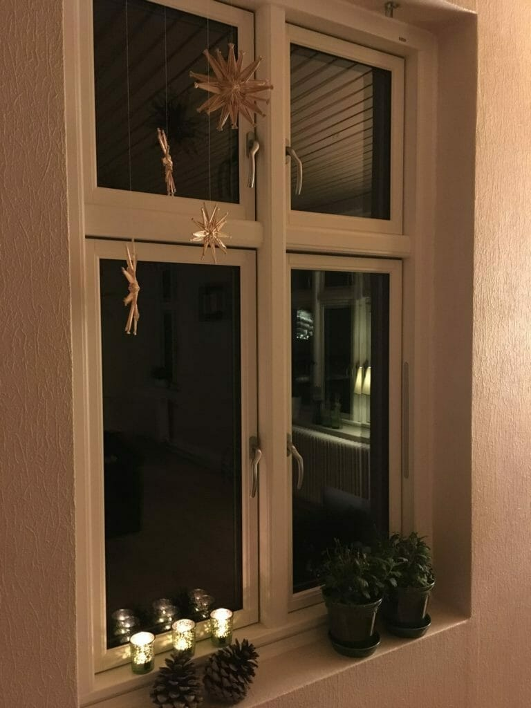 julepynt stjerner vindue