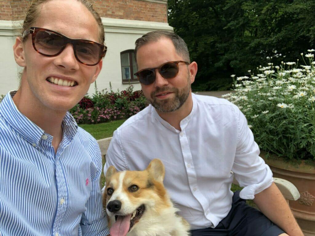 Sofiero Slotshave hund solbriller havebesøg