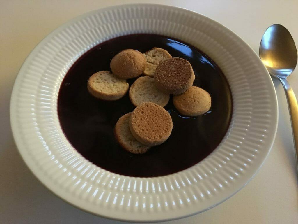 hyldebærsuppe dessert Hyldebærsaft