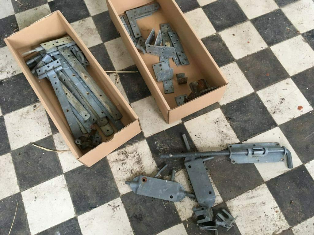værktøj værksted hængsler