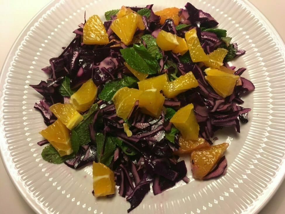 Rødkål salat appelsin mynte