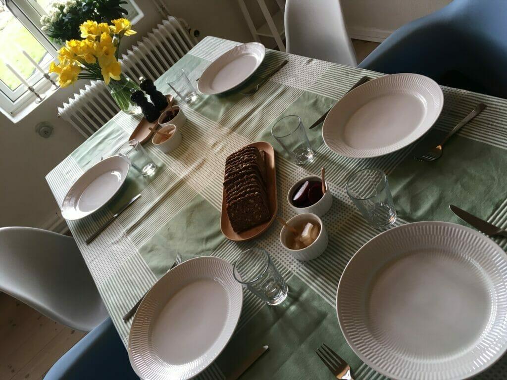 søndgsfrokost med lamme frikadeller
