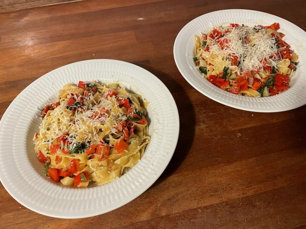 hjemmelavet pasta opskrift fettucini grøntsager vegetar